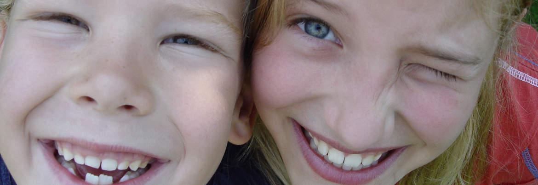 Schulprobleme ade! Systemische Hörtherapie - und Ihr Kind lacht wieder!