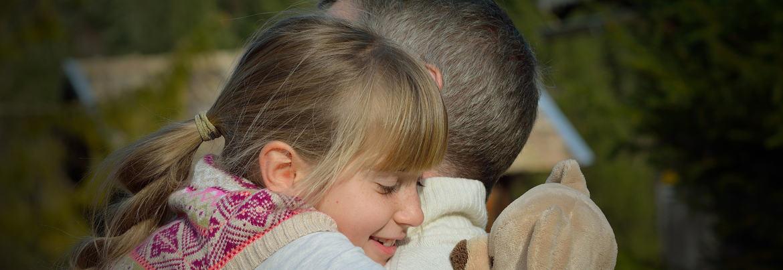 Bei der Systemische Hörtherapie verbessert sich die Ausgangsituation des Kindes durch das Hören von Musik.